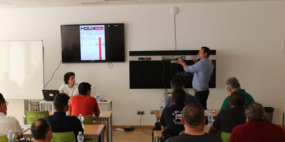 HOLUX IBERIA, éxito en su curso de formación específica de sus operadores para puertas peatonales