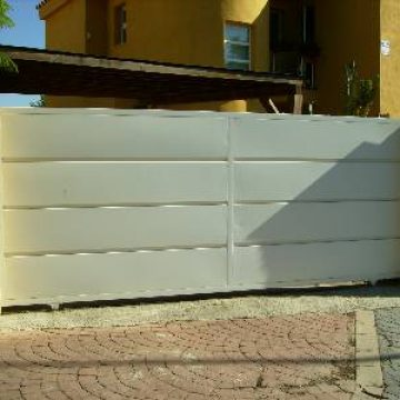Puerta automatica uso residencial